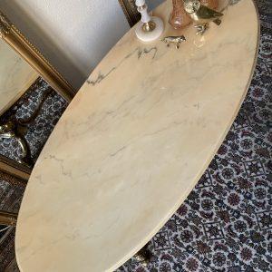 Antieke ovale salontafel met marmeren Onyx blad en messing onderstel