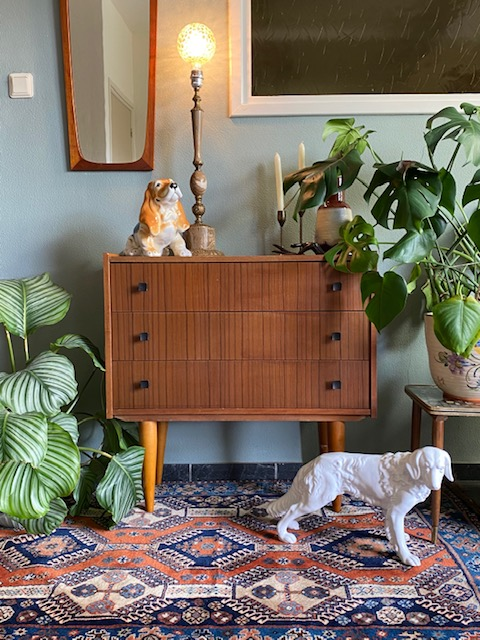 vintage ladekast conische poten mid century lowboard dressoir limburg