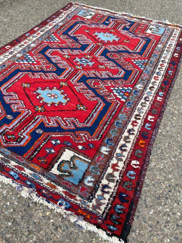 Handgenkoop tapijt heldere kleuren oosters vloerkleed vintage