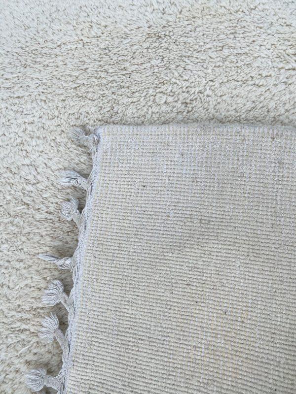 Witte berber te koop oosters vloerkleed wol vintage berber klosjes