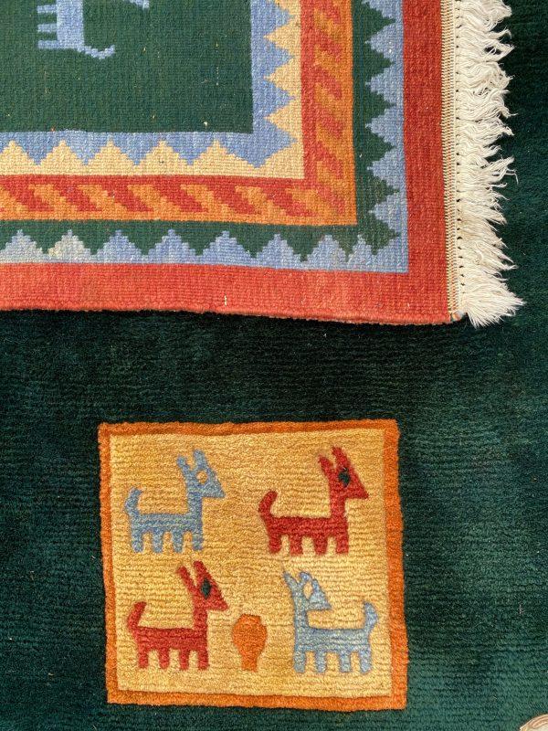 gabbeh tapijt vloerkleed donkergroen vintage kleed oosters dieren