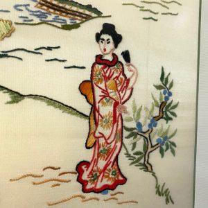 Chinees borduurwerk in lijst 40x78cm