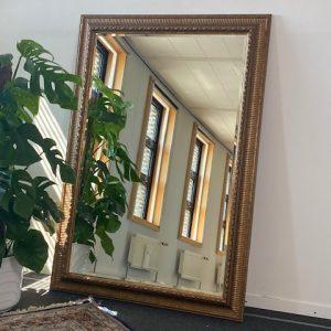 Vintage spiegel met facet geslepen glas150x105cm