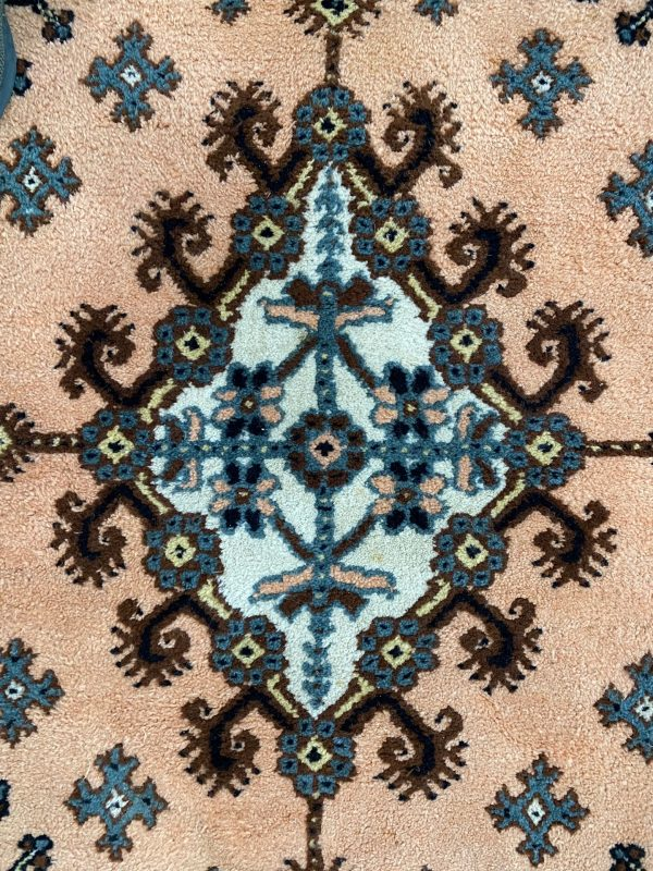 Handgeknoopt Tunesische tapijt Kairouan Tunesië roze beige bruin blauw vloerkleed vintage roermond