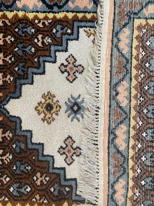 Handgeknoopt Tunesische tapijt Kairouan Tunesië wit beige bruin blauw vloerkleed vintage roermond