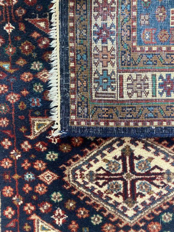 Afshar perzisch kleed vloerkleed tapijt pers limburg vintage donkerblauw blauw wit